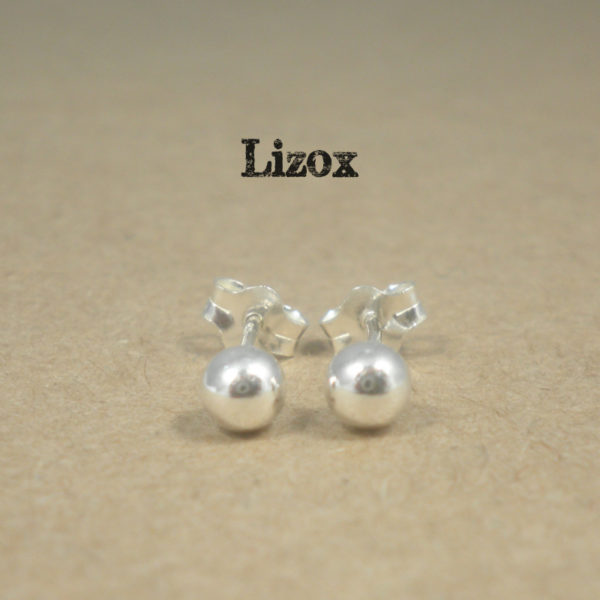 lizox-sterling-silver-4mm-ball-ear-studs
