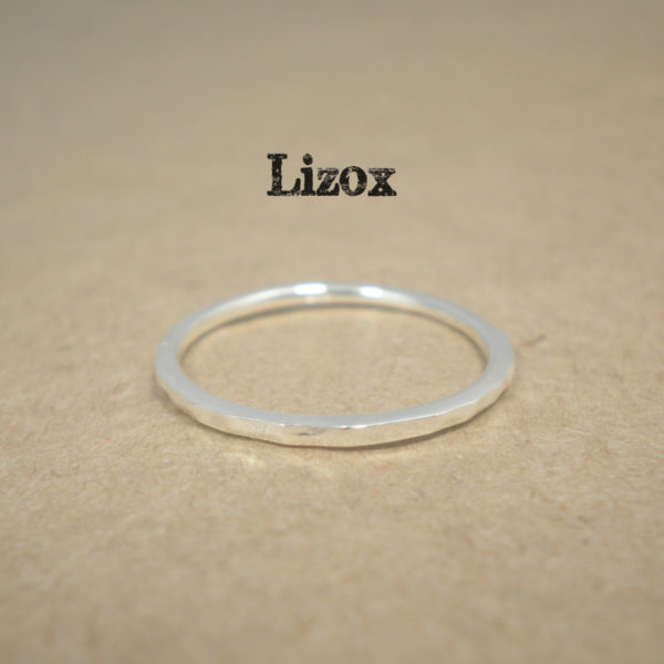 lizox-sterling-silver-stackable-hammerd-ring